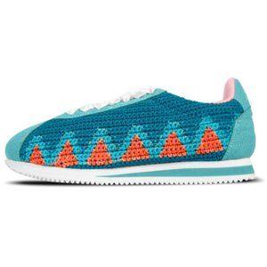 NWOT Poppy Lifestyle Knit Sneakers Sz 9